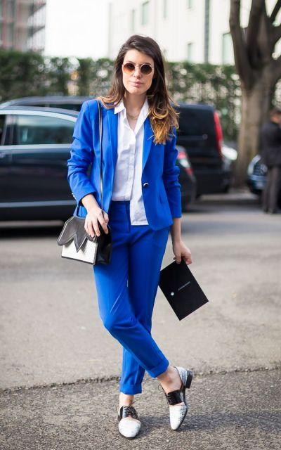 looks elegantes com terninho azul