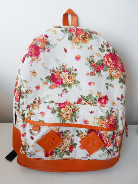 mochila branca e laranja