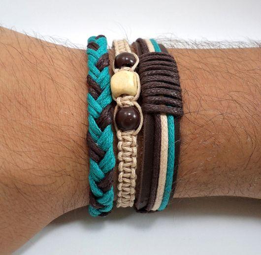 Lindo mix de pulseiras com o azul combinando com o marrom