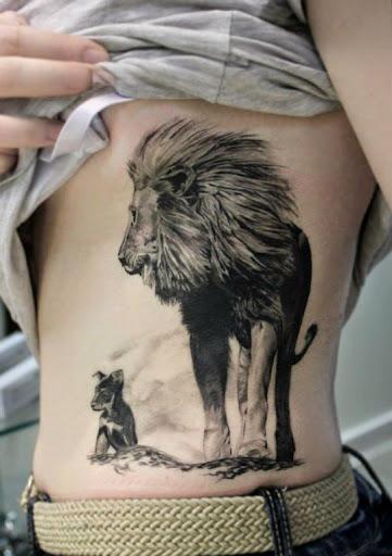 Leão e cachorro, dois animais nobres muito admirados