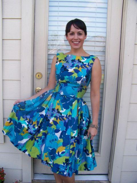 vestido havaiano estilo anos 50