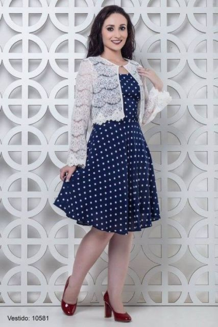 look com vestido azul marinho