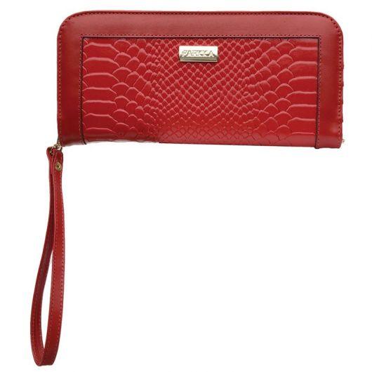 modelo de carteira vermelha de couro com alça curta.