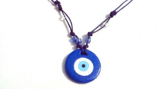 colar olho grego com pedra tingida