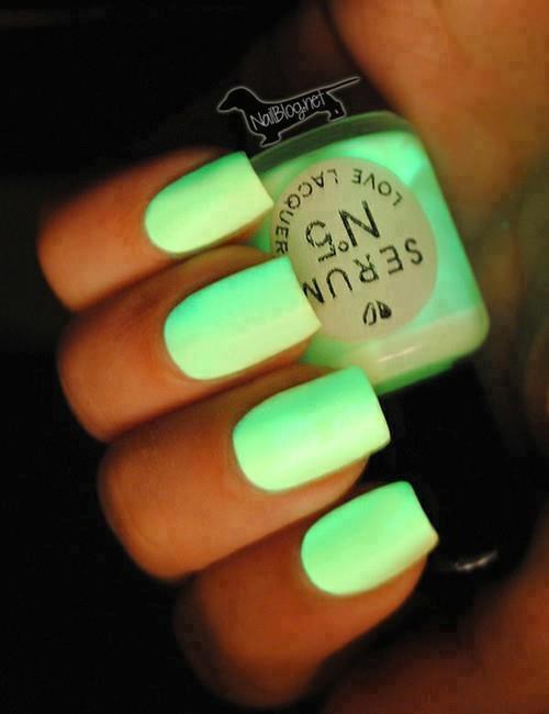 ideias lindas para esmalte neon