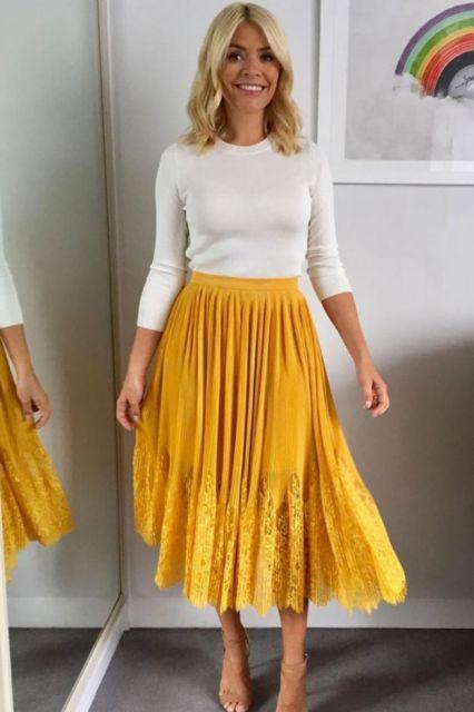 saia amarela longa plisada