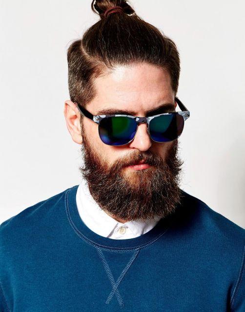 Os barbudos ficam ótimos usando óculos espelhado masculino