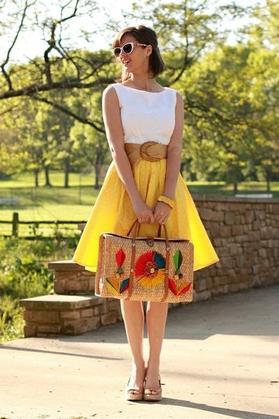 saia amarela estilo anos 60