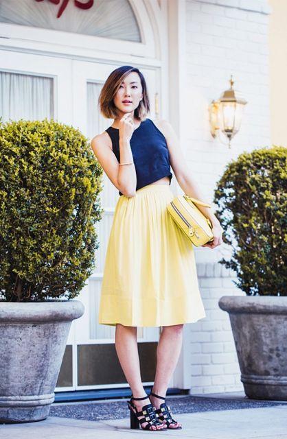 saia amarela plisada com regata