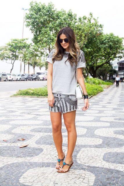 shorts com rasteirinha
