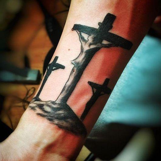 Crucifixo com inspiração cristã