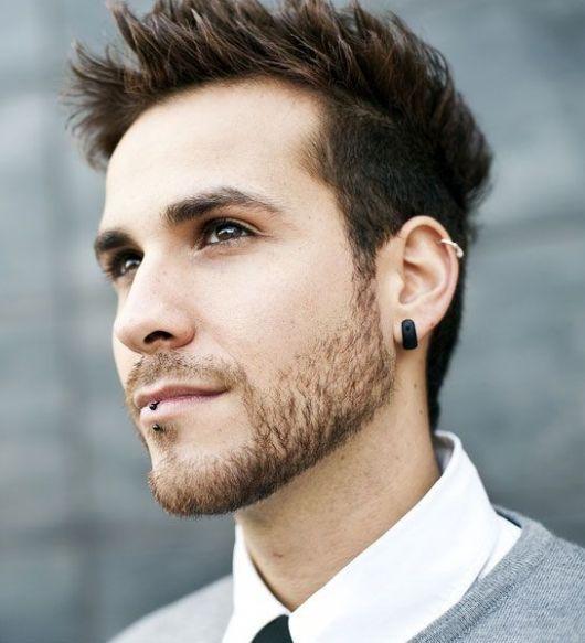 Brinco preto masculino + piercing na boca e na orelha