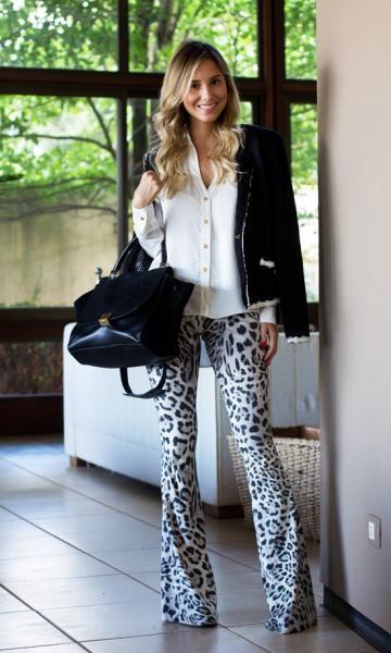 calça animal print com blazer