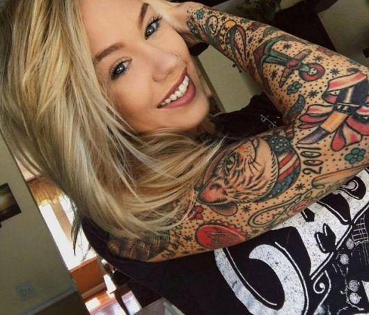 tatuagem braço fechado feminino colorida