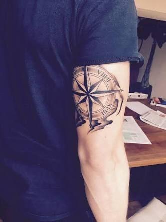 tatuagem pequena masculina