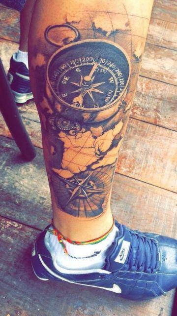 tatuagem realista perna