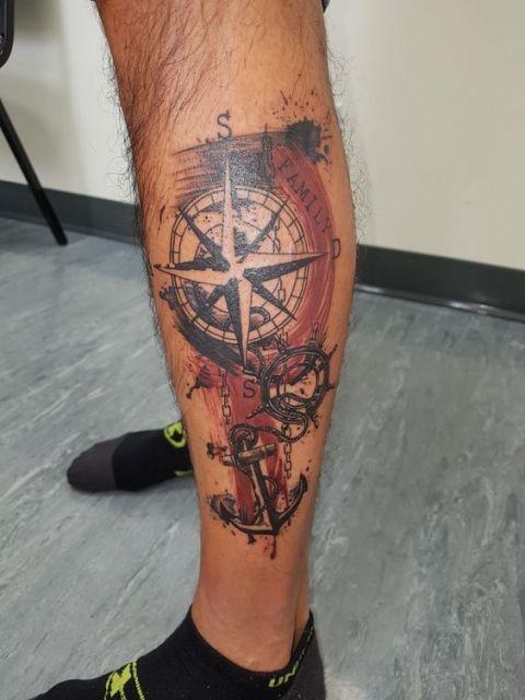 tatuagem perna masculina