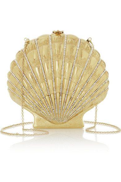 Bolsa de concha dourada.