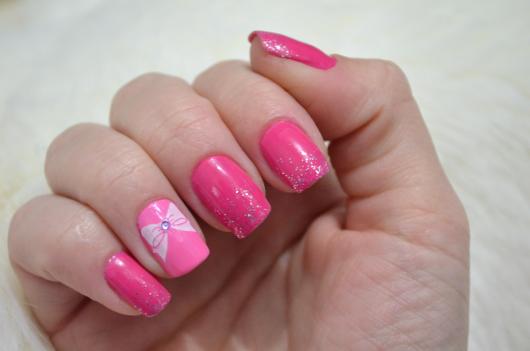 unha pink decorada