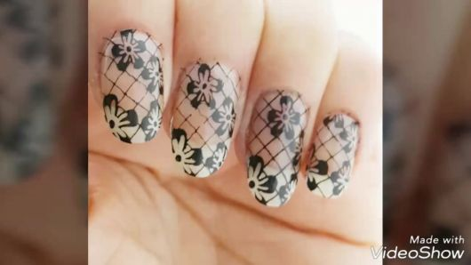 nail art com fundo de base