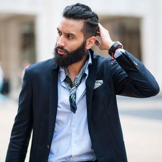 Lenço masculino para incrementar o look social