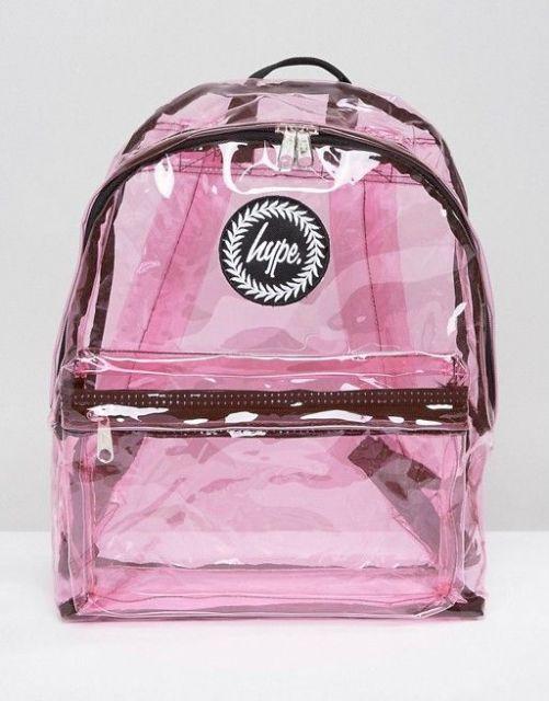 mochila rosa e marrom