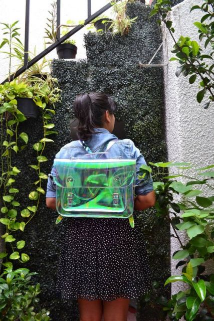 mochila holográfica