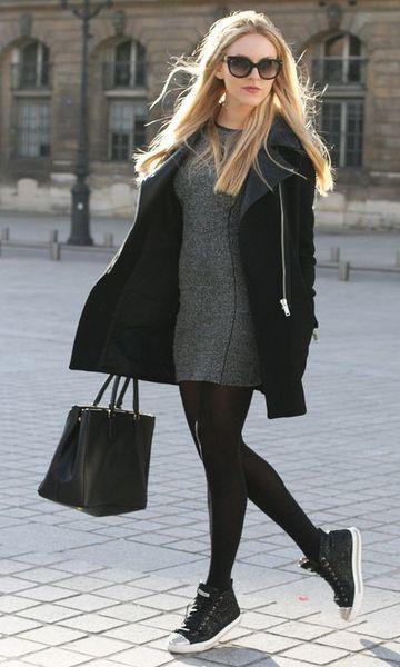 look vestido e tênis preto