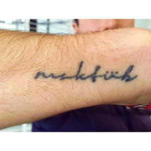 As fontes podem mudar para deixar sua tattoo original, bem como dar um toque exclusivo ao desenho