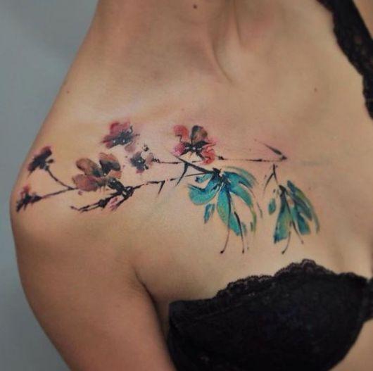tatuagem de flores aquarela