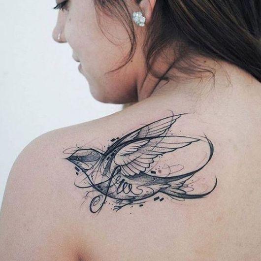tatuagem moderna pássaro
