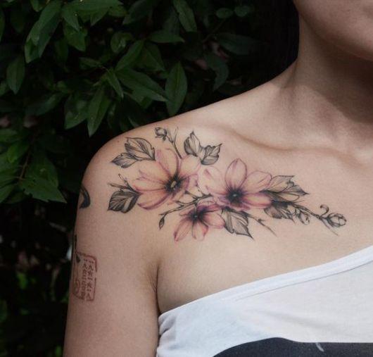 tatuagem colorida flores