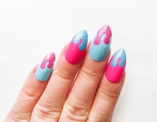 nail art rosa e azul