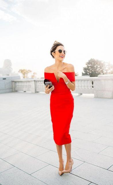 vestido vermelho com decote V