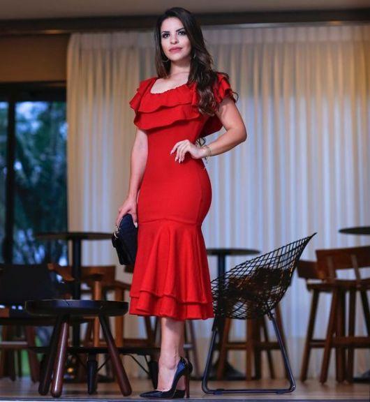 vestido vermelho com babados