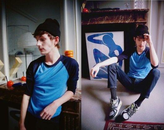 Boa combinação de tons de azul combinando com o jeans
