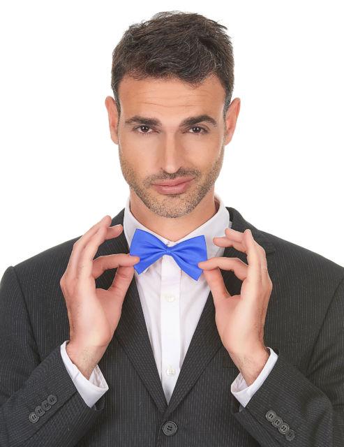 Gravata azul claro para agradar os mais jovens