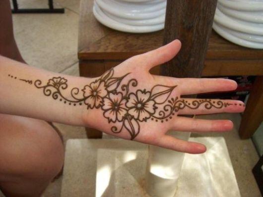 Você pode tatuar tranquilamente a palma da sua mão