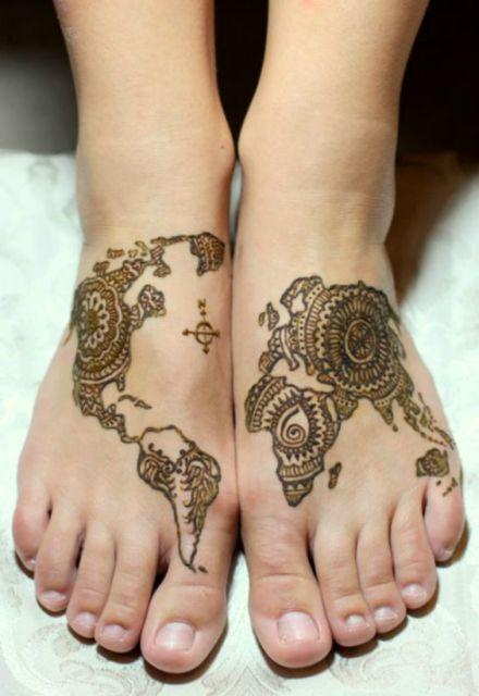 Essa tatuagem de henna recria o Mapa Mundi
