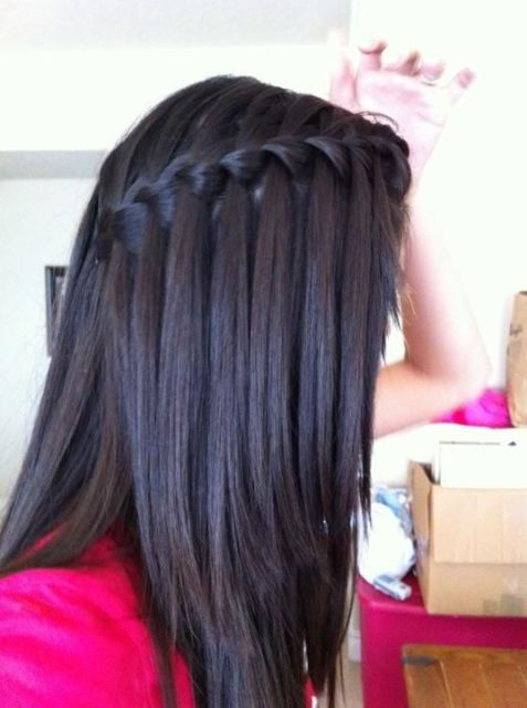 Trança cascata: lateral em cabelo preto