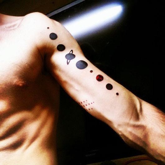 Pense em algo original e elegante para deixar sua tattoo perfeita