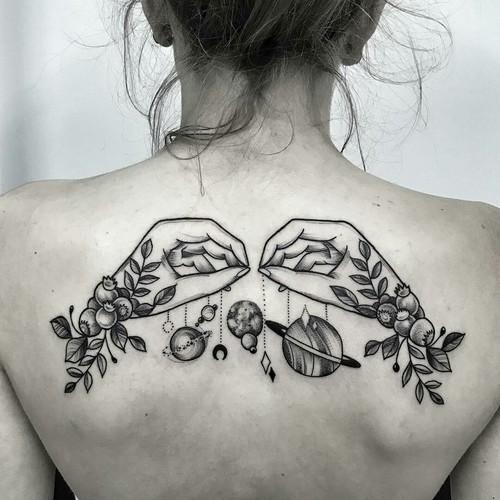 Lindos traços em preto para deixar sua tatuagem com um resultado impecável