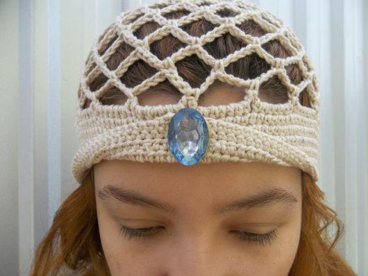 turbante de crochê com pedra