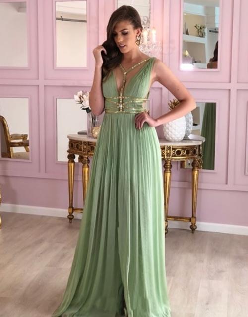 vestido grego drapeado verde com detalhes em dourado