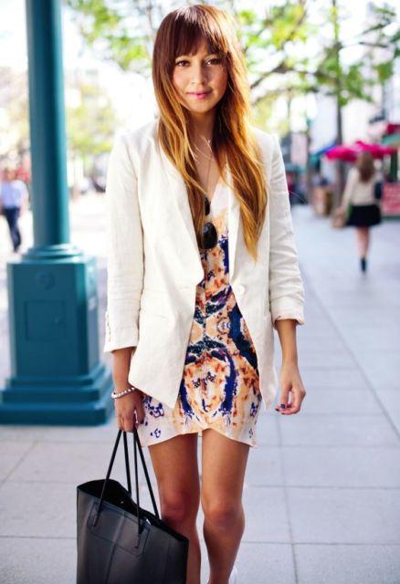 vestido estampado com blazer
