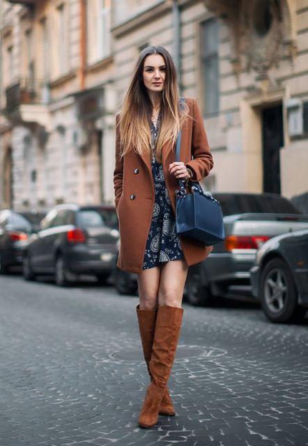 look vestido com casaco