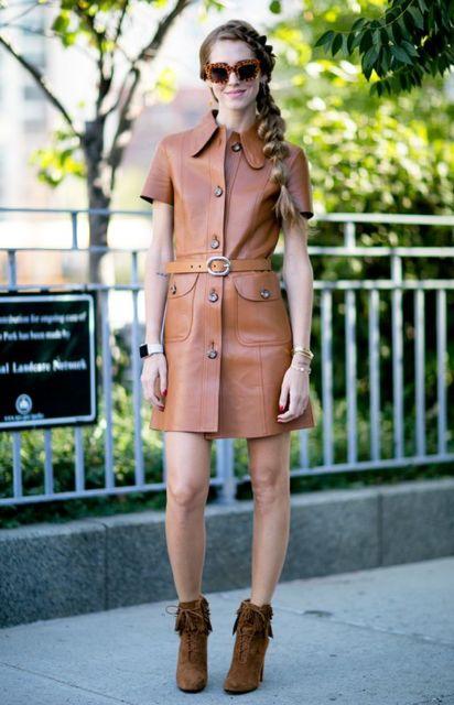look com vestido de couro