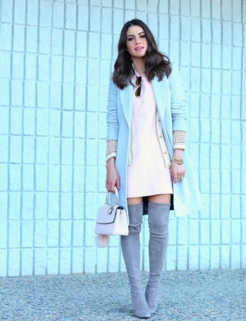 look vestido com bota over the knee