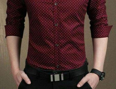 Combine o preto com cores quentes, como o vermelho
