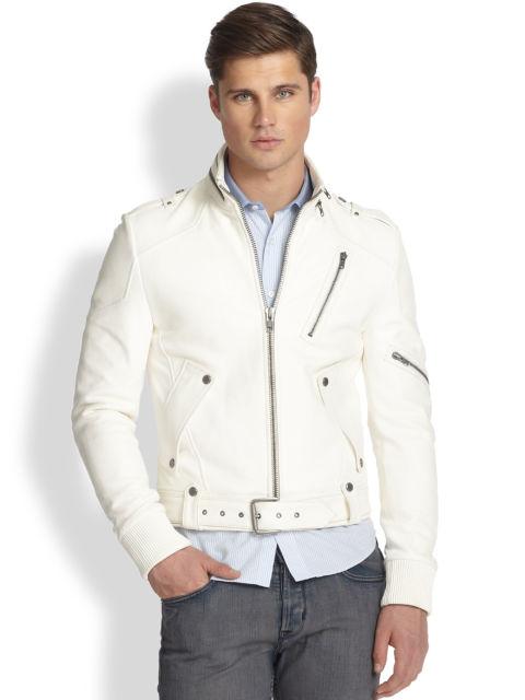 Você pode usar a jaqueta fechada também